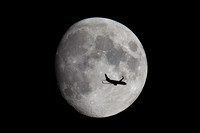 Boeing 737 Moon Crossing